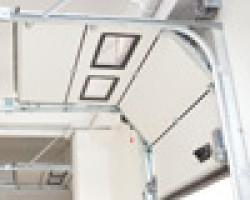 Usi industriale sectionale cu sistem de culisare HL + FTR (High